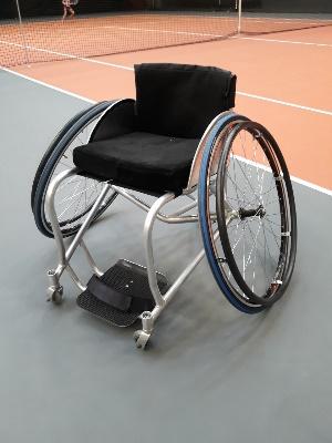 спортивные инвалидные коляски для игры в теннис